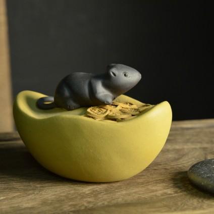 Крыса на слитке с монетками № 1